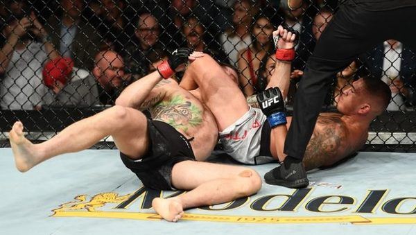 tanthony-pettis-taps-out-michael-chiesa-at-ufc-226-696x394.jpg